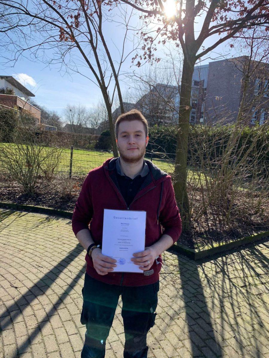 Wir gratulieren Nico zur bestandenen Prüfung